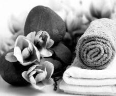 bellevue spa rocks towels flowers